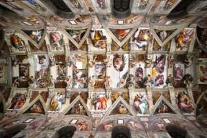 1.11.2014_Οικολογικός φωτισμός LED αναδεικνύει την Καπέλα Σιξτίνα στο Βατικανό