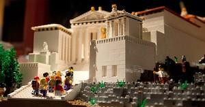 12.12.2014_Πολύχρωμη Ακρόπολη από 120.000 Lego_