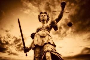 30.12.2014_Αναστέλλεται η αποχή των δικηγόρων