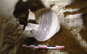10.1.2015_Κύπρος ανακαλύφθηκε ασύλητος αρχαϊκός τάφος