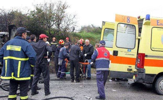 27.1.2015_Σύγκρουση οχημάτων με θανάσιμο τραυματισμό δύο ατόμων στη Ε.Ο Δαφνίου-Σκάλας