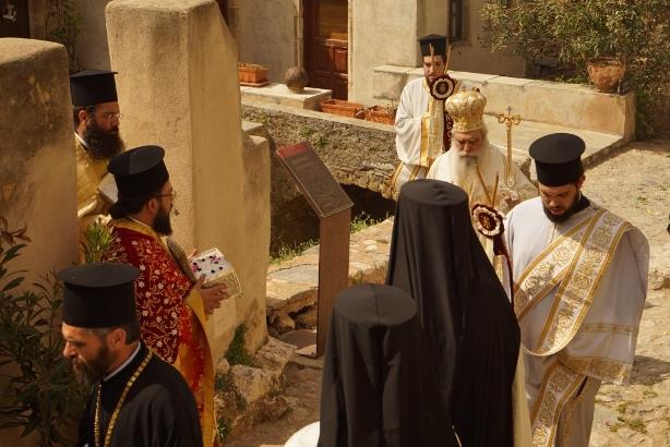 21.4.2015_Με βυζαντινή μεγαλοπρέπεια εορτάστηκε η Παναγία Χρυσαφίτισσα στη Μονεμβασία_12