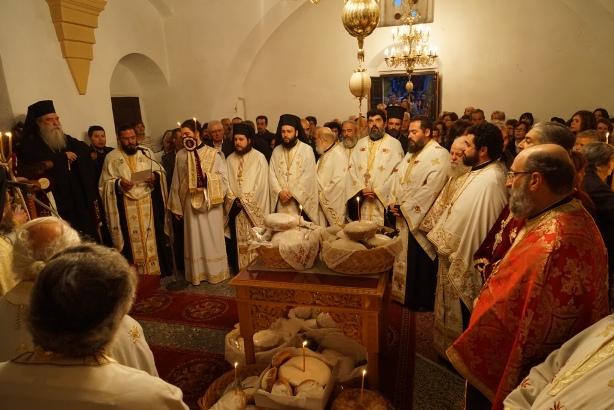 21.4.2015_Με βυζαντινή μεγαλοπρέπεια εορτάστηκε η Παναγία Χρυσαφίτισσα στη Μονεμβασία_3