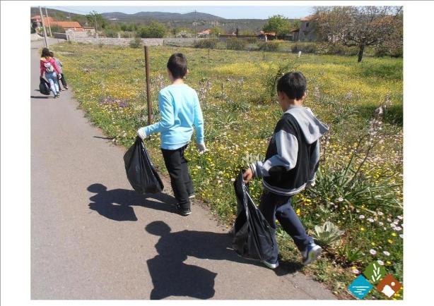 29.4.2015_Εθελοντικός καθαρισμός στα  Πελετά Αρκαδίας με αφορμή την καμπάνια Lets Do it Greece_1