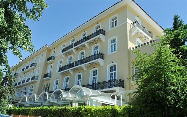 25.5.2015_Κλείνει το ιστορικό ξενοδοχείο «Πεντελικόν»