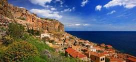 Στο clickatlife.gr Μονεμβασία, Ρειχιά και Κυπαρίσσι