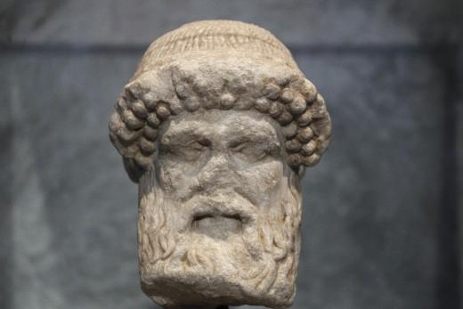 8.6.2015_Στο Εθνικό Αρχαιολογικό Μουσείο, η μαρμάρινη κεφαλή του Ερμή