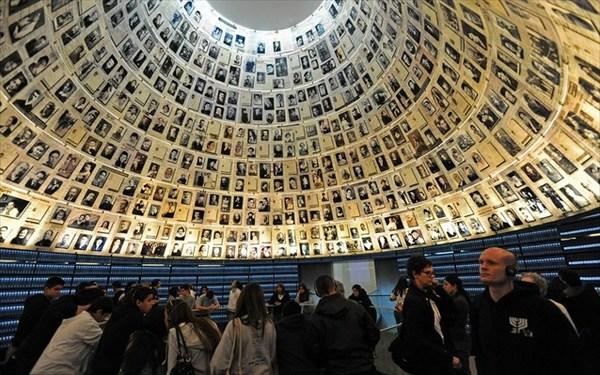 23.7.2015_Στο Μνημείο Ολοκαυτώματος