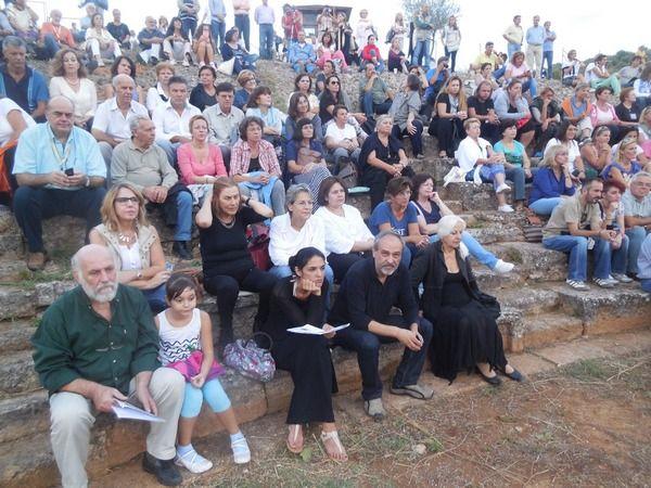 30.9.2015_Διθυραμβικά σχόλια για την εκδήλωση στο Αρχαίο Θέατρο Καβειρίου Θήβας_3