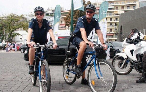 5.10.2015_Περιπολίες αστυνομικών με ποδήλατα σε Αθήνα και Θεσσαλονίκη