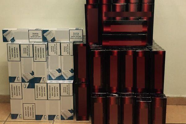 4.11.2015_Κατασχέθηκαν 2000 πακέτα με λαθραία τσιγάρα