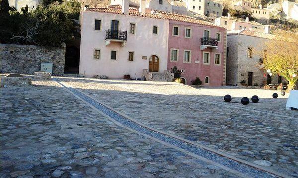 22.12.2015_Εγκαινιάστηκε η Πλατεία της Χρυσαφίτισσας στο Κάστρο Μονεμβασίας_2