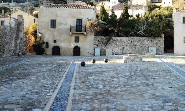 22.12.2015_Εγκαινιάστηκε η Πλατεία της Χρυσαφίτισσας στο Κάστρο Μονεμβασίας_3