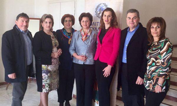 25.1.2016_Ο πολιτιστικός σύλλογος Γυναικών Μάνης τιμά την Μανιάτισσα Ολυμπιονίκη Βούλα Κοζομπόλη_1