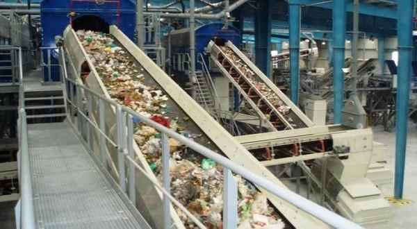 «Βουνό» τα σκουπίδια και τα εμπόδια στη διαχείριση απορριμμάτων Πελοποννήσου