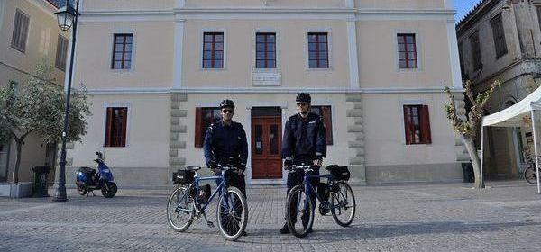 4.5.2016_Επεκτείνεται και στο Ναύπλιο ο θεσμός της αστυνόμευσης με ποδήλατα