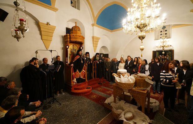 9.5.2016_Με βυζαντινή μεγαλοπρέπεια εορτάστηκε η Παναγία Χρυσαφίτισσα στη Μονεμβασία_5