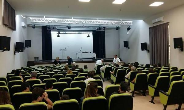 23.6.2016_Εγκαινιάστηκε η ανακαινισμένη αίθουσα θεάτρου στο Γυμνάσιο Μολάων