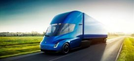H Tesla παρουσίασε το πρώτο της ηλεκτρικό φορτηγό