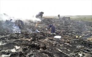 18.7.2014_Ουκρανία  σοκ από την κατάρριψη του Boeing με τους 298 επιβάτες