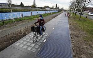 14.11.2014_Στην Ολλανδία ο πρώτος ποδηλατόδρομος ηλιακής ενέργειας