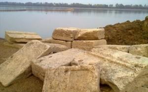 25.11.2014_Αμφίπολη επιστροφή των μαρμάρων από τη λίμνη Κερκίνη