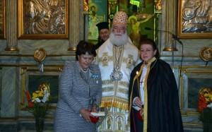 27.11.2014_Ο Πατριάρχης Αλεξανδρείας τίμησε τις Λ. Μενδώνη και Ά. Παναγιωταρέα