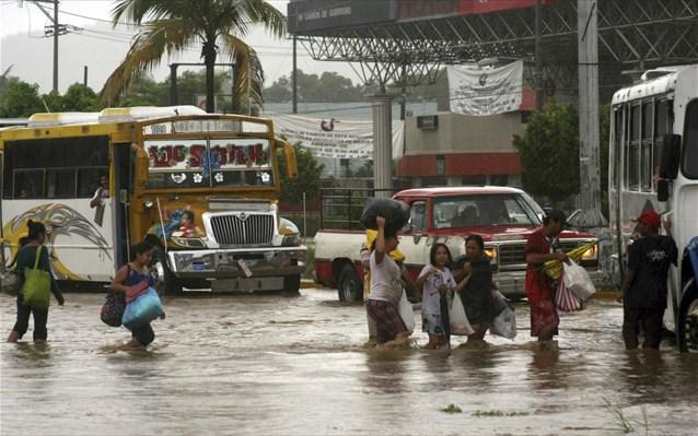 22.1.2015_Μαδαγασκάρη 46 νεκροί από τροπική καταιγίδα