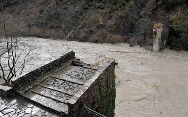 2.2.2015_Άμεσα μέτρα προστασίας για το Γεφύρι της Πλάκας