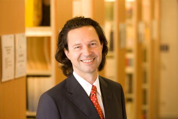 Αλέξανδρος Κρητικός, διευθυντής Ερευνας  του DIW: «Το Grexit δεν είναι μια απειλή την οποία θα μπορούσε να χρησιμοποιήσει η Αθήνα στη διαπραγμάτευση με την Ευρωζώνη».