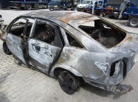 7.2.2015_Έκαψαν το αυτοκίνητο Βουλευτή