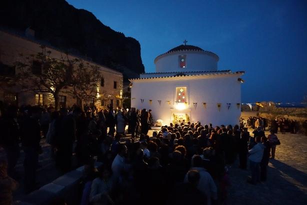 21.4.2015_Με βυζαντινή μεγαλοπρέπεια εορτάστηκε η Παναγία Χρυσαφίτισσα στη Μονεμβασία_4