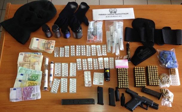 23.5.2015_Συνελήφθη 36χρονος στη Μεσσηνία για παράνομη κατοχή όπλων και ναρκωτικών