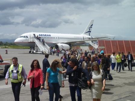 28.5.2015_Την απευθείας αεροπορική σύνδεση Καλαμάτας-Παρίσι εγκαινίασε ο  Περιφερειάρχης Πελοποννήσου