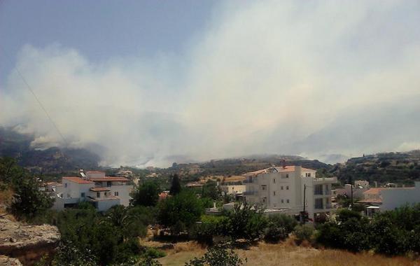 17.7.2015_Σε εξέλιξη η πυρκαγιά στη Νεάπολη Λακωνίας_1