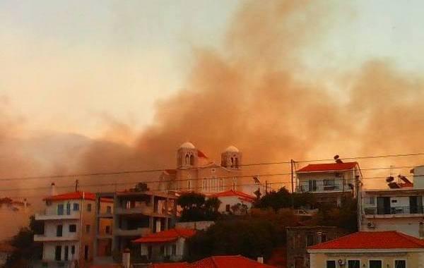 17.7.2015_Σε εξέλιξη η πυρκαγιά στη Νεάπολη Λακωνίας_2