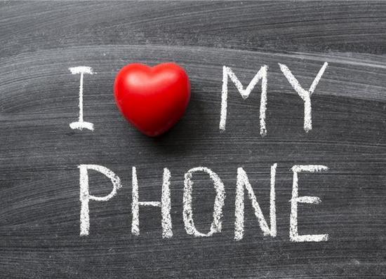 17.10.2015_Εθισμένοι με το κινητό μας;