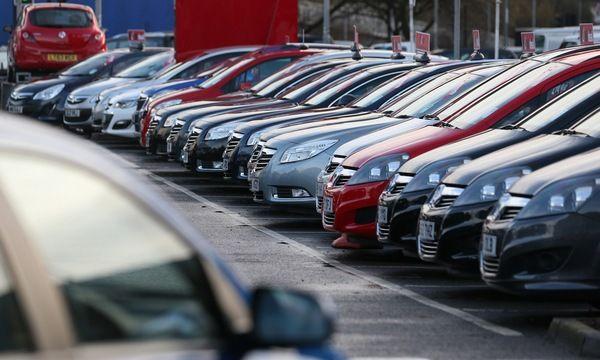 30.10.2015_Εξαπατούσε πολίτες με ψευδείς αγγελίες πώλησης οχημάτων