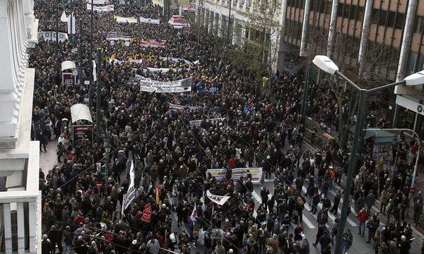 22.1.2016_Μεγαλειώδης η χθεσινή πορεία των επιστημονικών φορέων ενάντια στο ασφαλιστικό