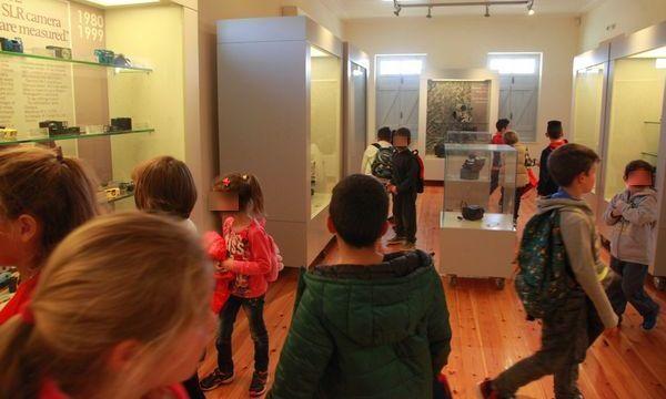 13.4.2016_Στο Μουσείο Φωτογραφικών Μηχανών Τάκη Αϊβαλή το Δημοτικό Σχολείο Αρεόπολης_1