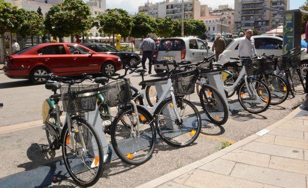 11.5.2016_Σε λειτουργία τα κοινόχρηστα ποδήλατα στην Πάτρα