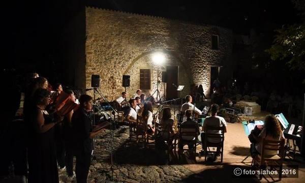 20.8.2016_Με ήχους γεμάτους Ελλάδα πλημμύρισε το Κάστρο Μονεμβασίας_1