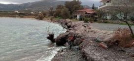 Στα αρμόδια υπουργεία η διάβρωση της παραλίας Ξηφιά με ερώτησεις Αραχωβίτη – Κρητικού