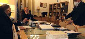 Συνάντηση του περιφερειάρχη Π. Νίκα με τον βουλευτή Λακωνίας Ν. Κρητικό