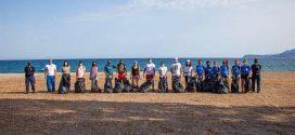 Δήμος Ανατολικής Μάνης: Εθελοντικός καθαρισμός παραλίας Μαυροβουνίου